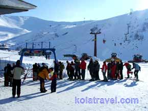 snow fun aurora winter week holiday polar circle russian lapland activities alpine skiing snowmobiling cross-country skiing ice fishing accommodation full board service program kolatravel