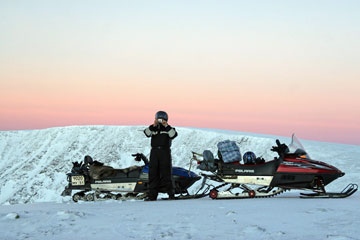 Snowmobile safaris Khibiny Tundra in Russian Lapland